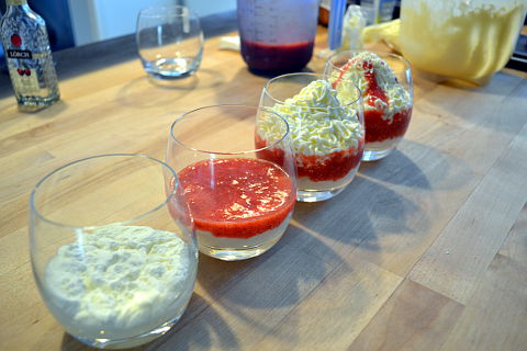 Dessertcreme-Spaghetti-anrichten