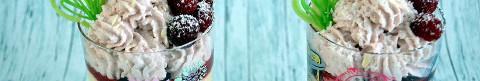 Kokosmousse mit Himbeergelee im Glas
